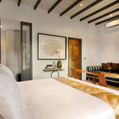 Room & Vespa 1 - Bedroom 3