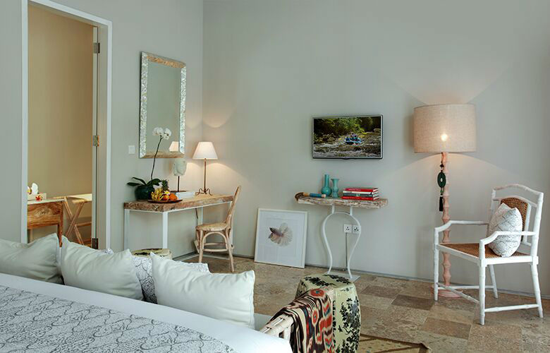 Room & Vespa 4 - Interiors 1